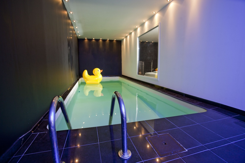 Indoor Pool, B&B Studios 1-2-3 Luxe Suites