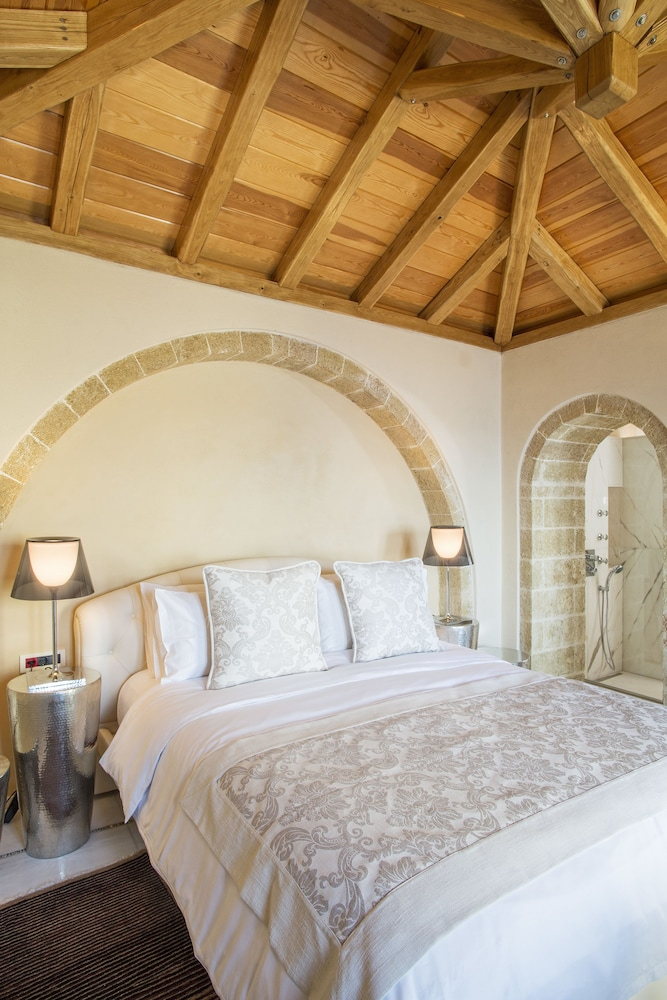 Room, Moni Emvasis Luxury Suites