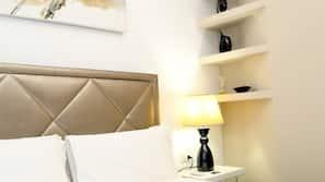 Frette Italian sheets, down comforters, free minibar, in-room safe