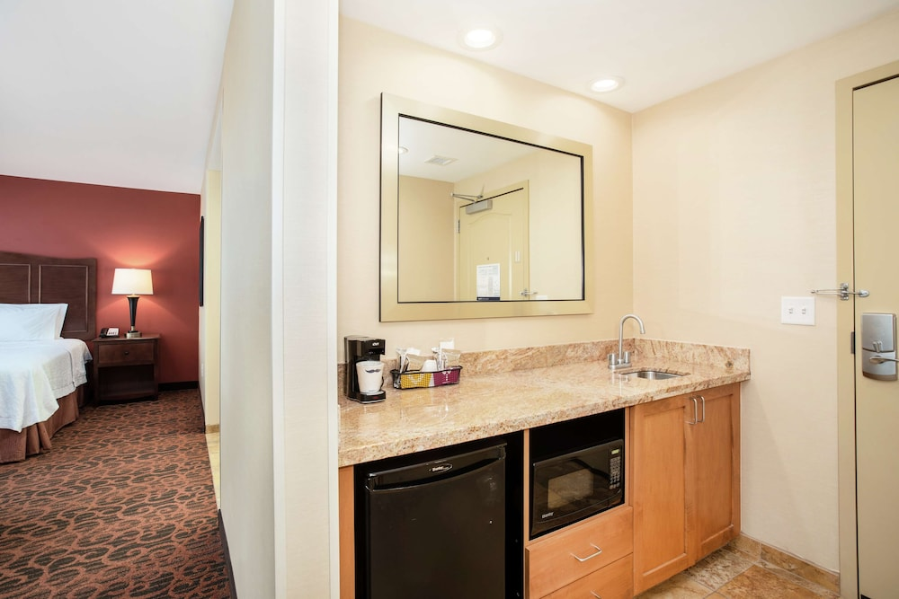 Minibar, Hampton Inn & Suites Denver/South-RidgeGate