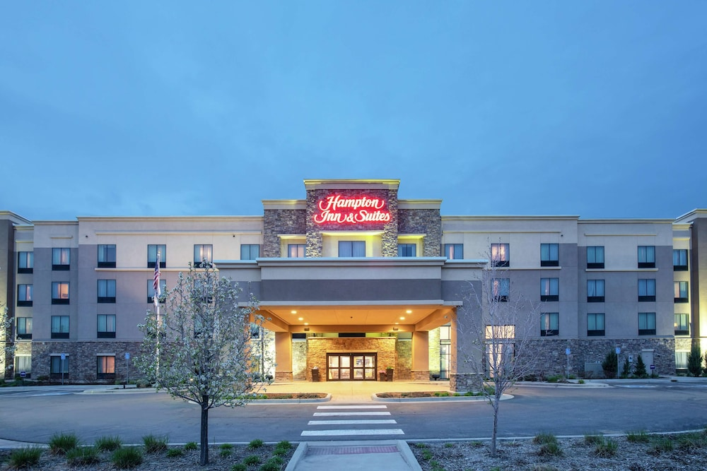 Exterior, Hampton Inn & Suites Denver/South-RidgeGate