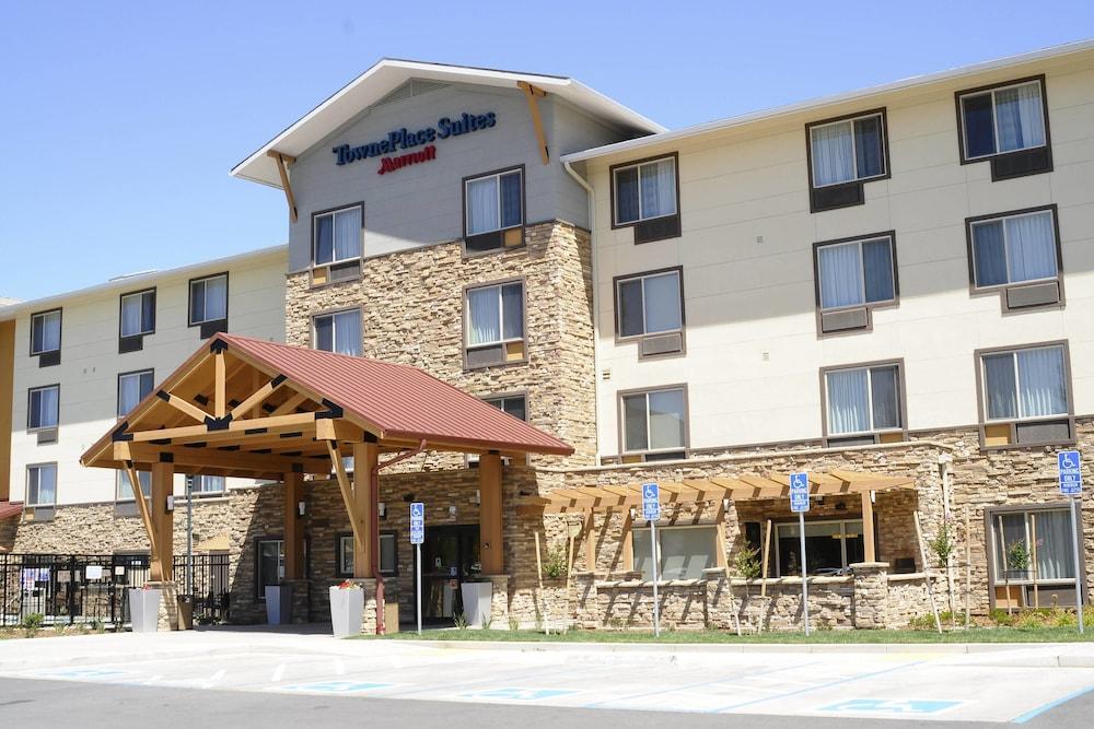 Redding Hotel Deals