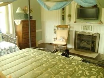 Room, Brookside Inn At Laurens
