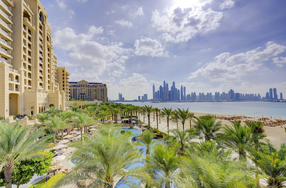 Featured Image, Fairmont The Palm