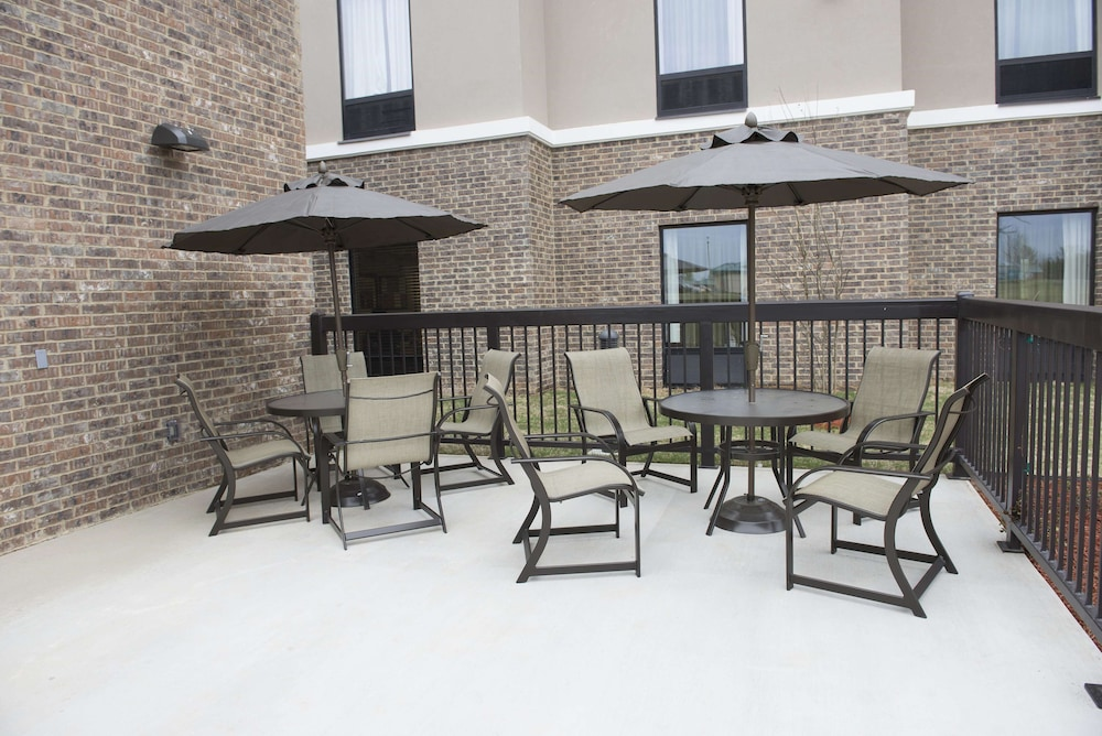 Terrace/Patio, Hampton Inn & Suites Hope