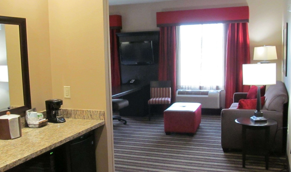 Living Area, Hampton Inn & Suites Hope