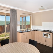 Quality Suites Banksia Gardens WA