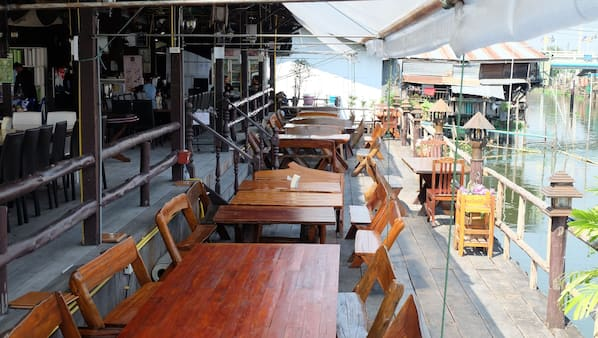 Breakfast, lunch and dinner served, Thai cuisine, garden views