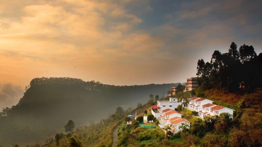 Country Club Valley Vista