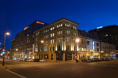 Check Expedia for Availability of Marriott Milwaukee Downtown