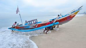 In Strandnähe, schwarzer Sandstrand, kostenloser Shuttle zum Strand