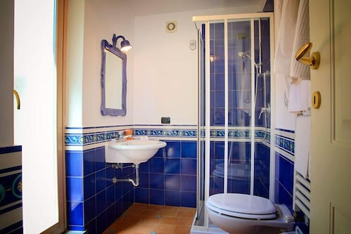 Bathroom, Villa Rina