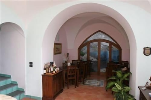 Property Entrance, Villa Rina