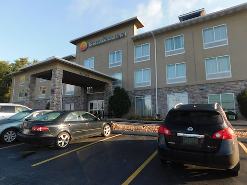 Great Place to stay Comfort Inn near St. Clairsville
