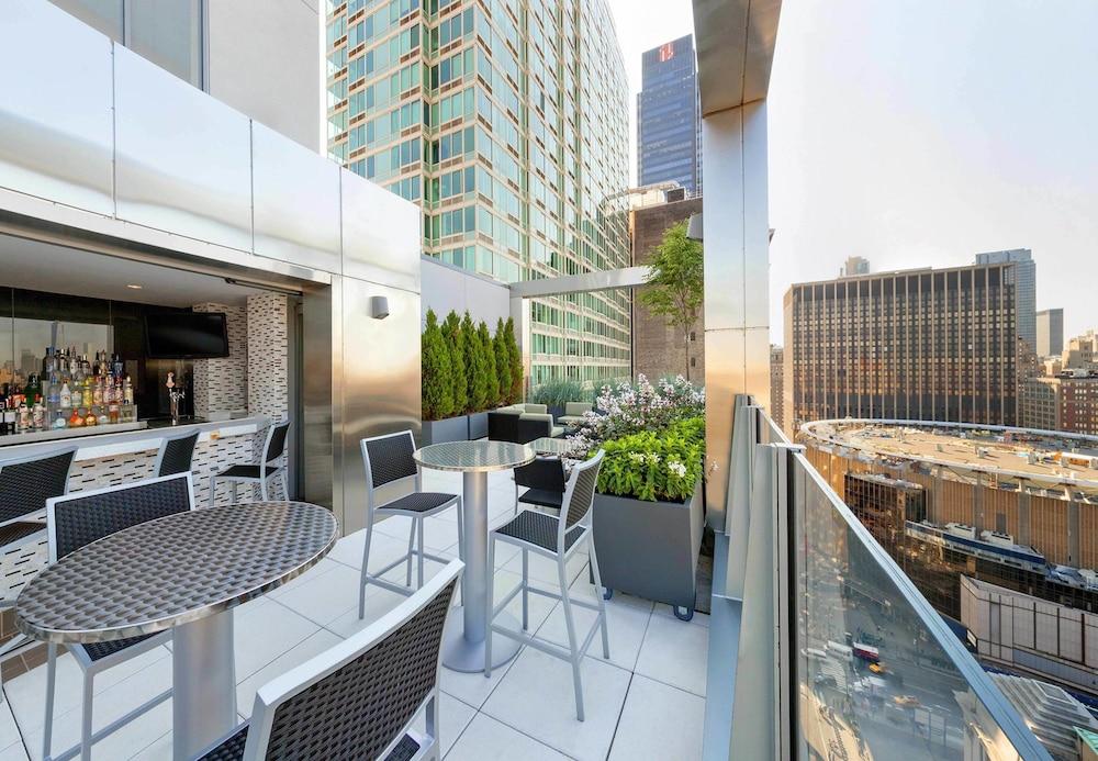 Fairfield Inn Suites New York Midtown Manhattan Penn Station Reviews Photos Rates