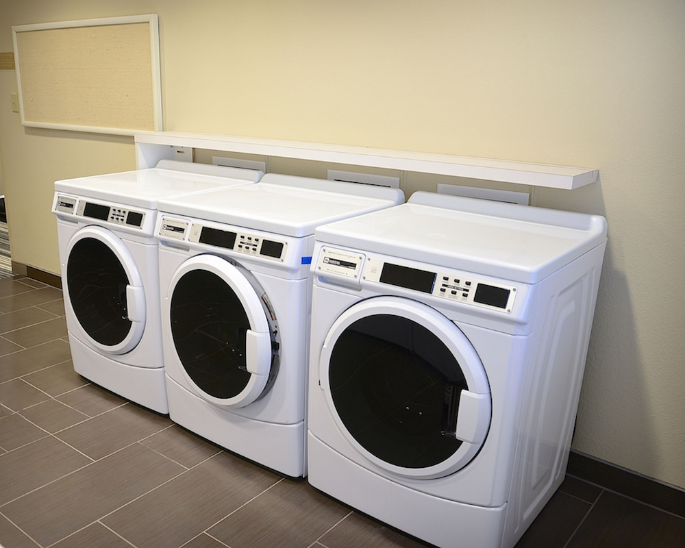 Laundry, Candlewood Suites Denver Northeast - Brighton