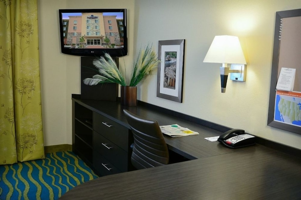 In-Room Business Center, Candlewood Suites Denver Northeast - Brighton