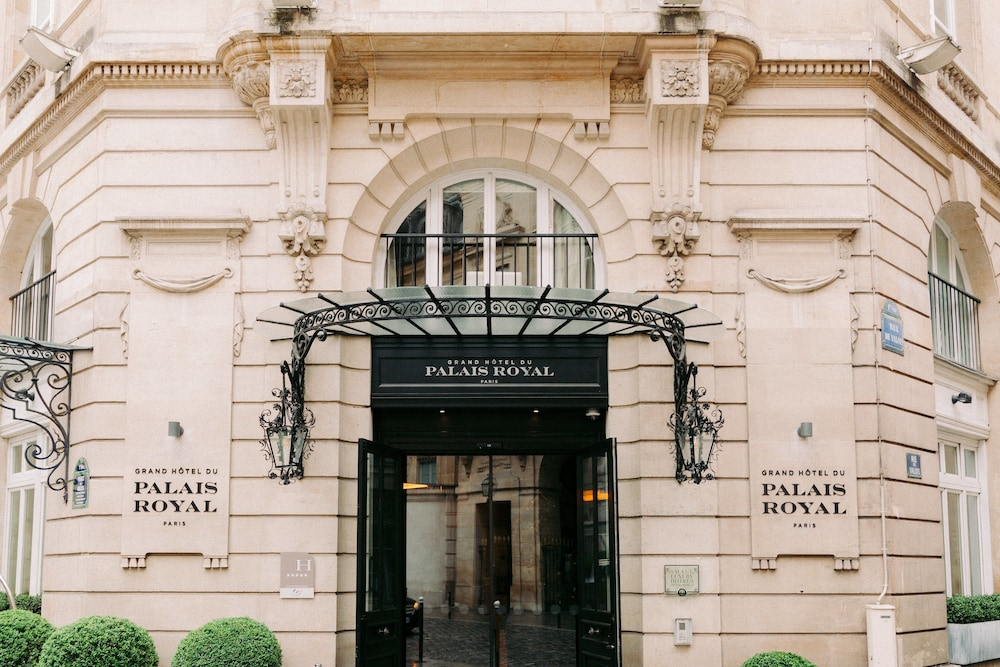 Property Entrance, Grand Hotel du Palais Royal