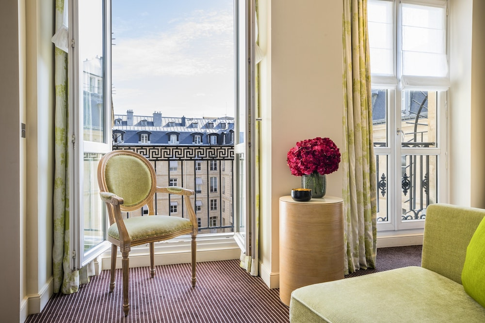 Room, Grand Hotel du Palais Royal