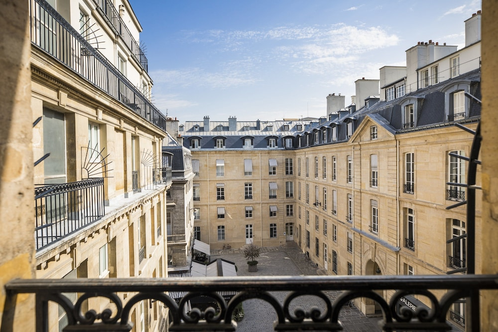 View from Property, Grand Hotel du Palais Royal