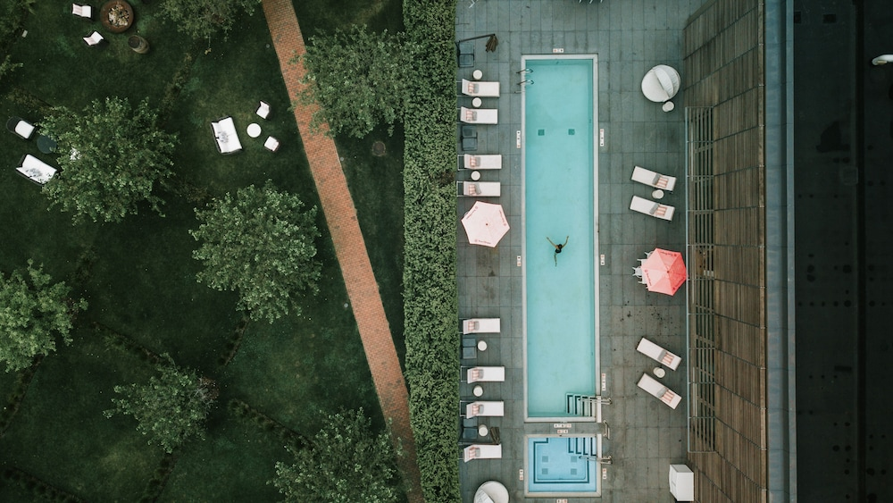 Outdoor Pool, Topping Rose House