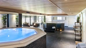 2 piscines couvertes
