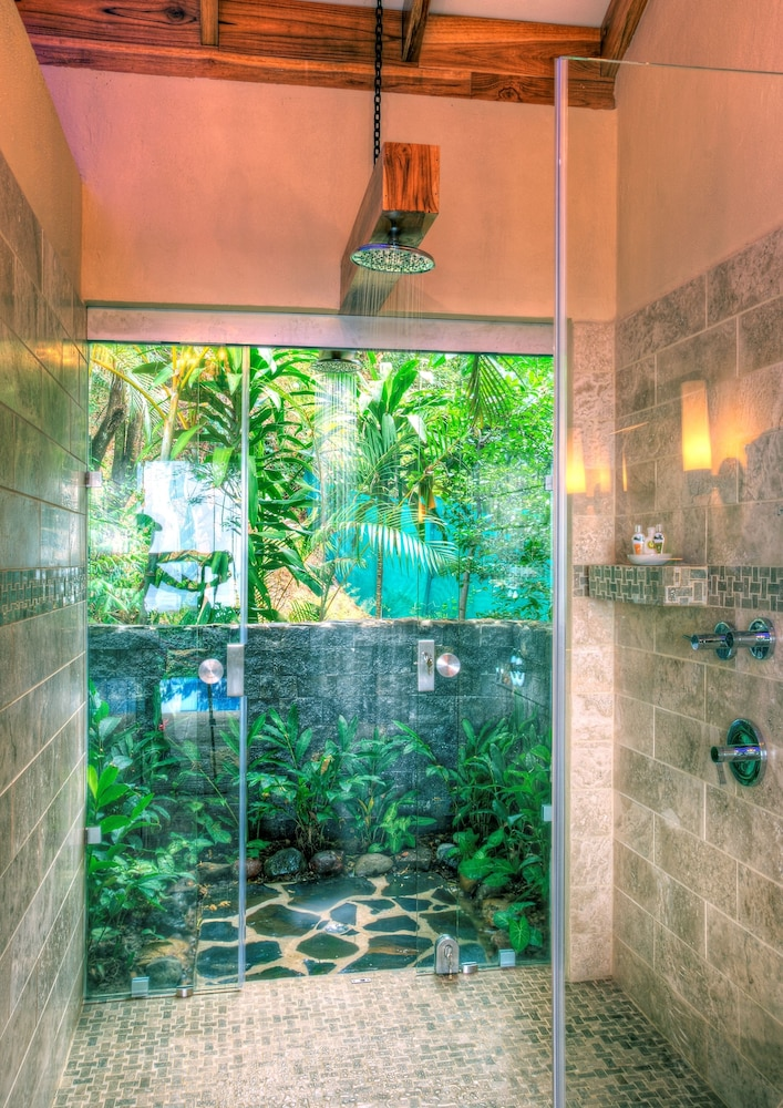 Bathroom Shower, Hotel Casa Chameleon Mal Pais