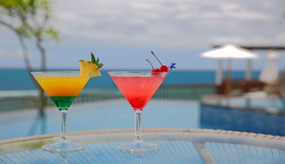 Poolside Bar, Samabe Bali Suites & Villas