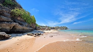Private beach, white sand, beach towels, snorkelling
