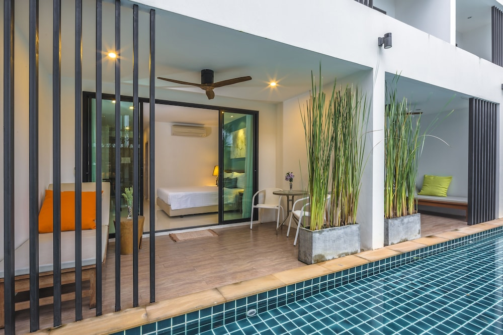 The pago design hotel phuket deals reviews ratsada tha for Design hotel phuket