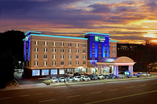 Great Place to stay Holiday Inn Express Hotel & Suites Knoxville West -Papermill near Knoxville