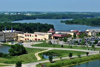 Lakeside Hotel Casino