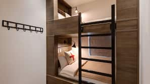Pillowtop beds, in-room safe, iron/ironing board, free WiFi