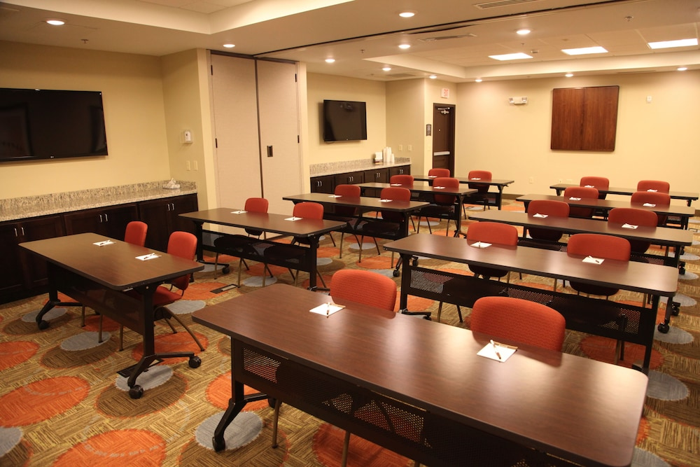 Meeting Facility, Staybridge Suites Grand Forks