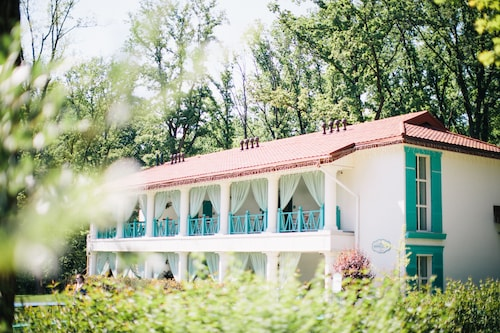 Nasha Dacha Country Estate