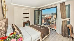 10 Schlafzimmer, Minibar, Zimmersafe, Schreibtisch