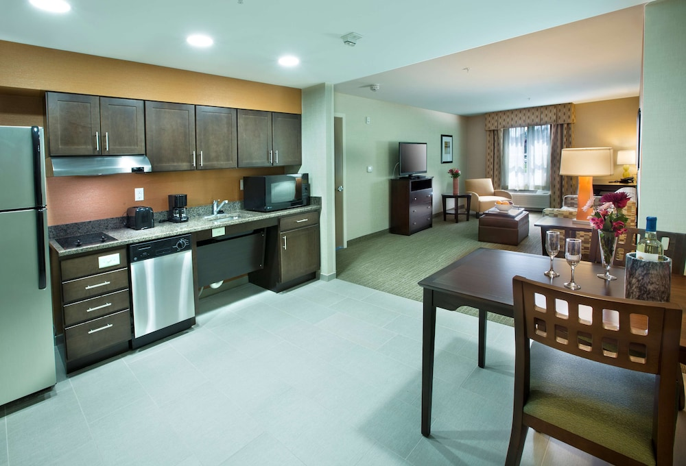 Private Kitchen, Homewood Suites by Hilton Newport Middletown, RI