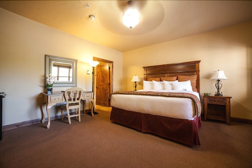 Room, Cable Mountain Lodge