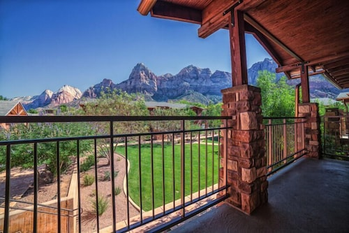 Balcony, Cable Mountain Lodge