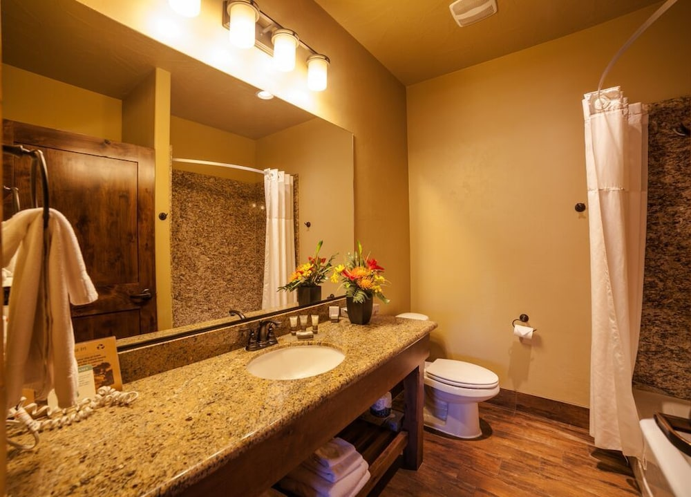 Bathroom, Cable Mountain Lodge