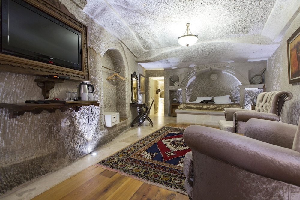 Living Area, Ottoman Cave Suites