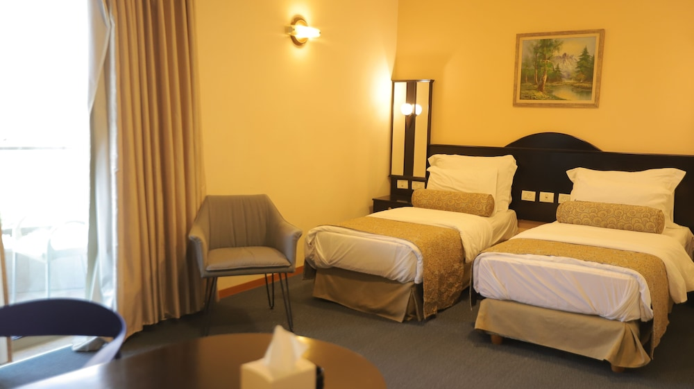 Room, Royal Court Hotel