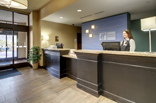 Holiday Inn Express Hotel & Suites Natchez South, an IHG Hotel