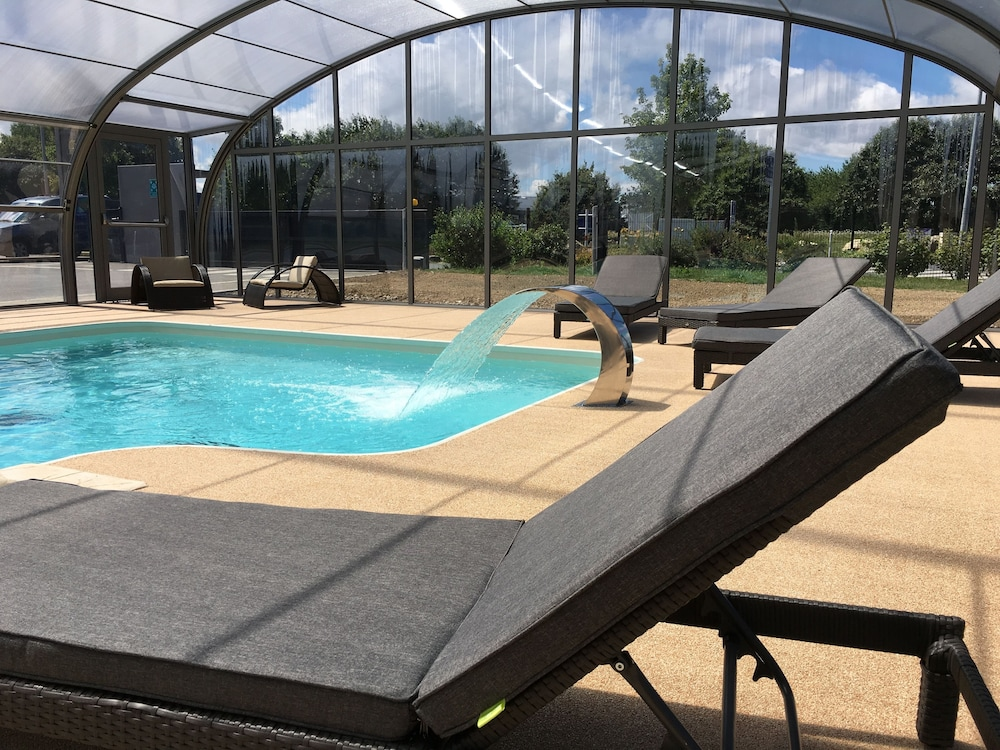 Hotel akena city saint malo dol de bretagne 2017 room for Camping saint malo avec piscine