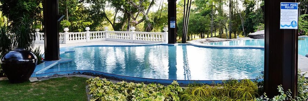 Outdoor Pool, Anugraha Boutique Hotel