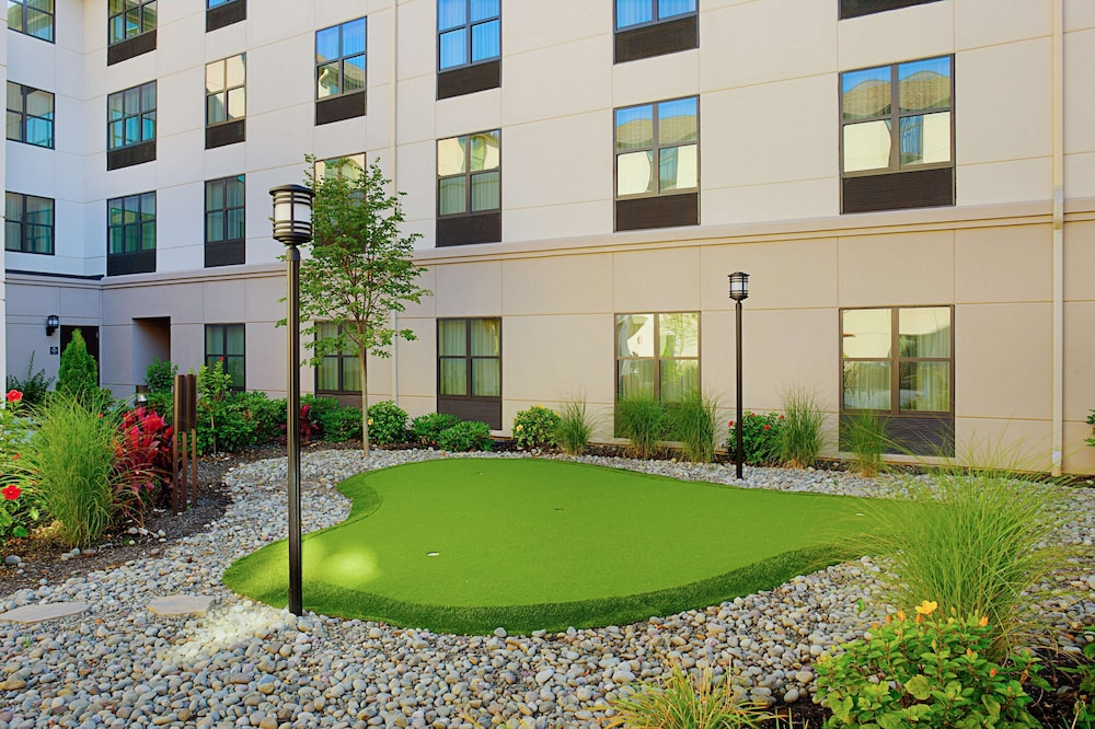 Sports Facility, Homewood Suites by Hilton Carle Place - Garden City, NY