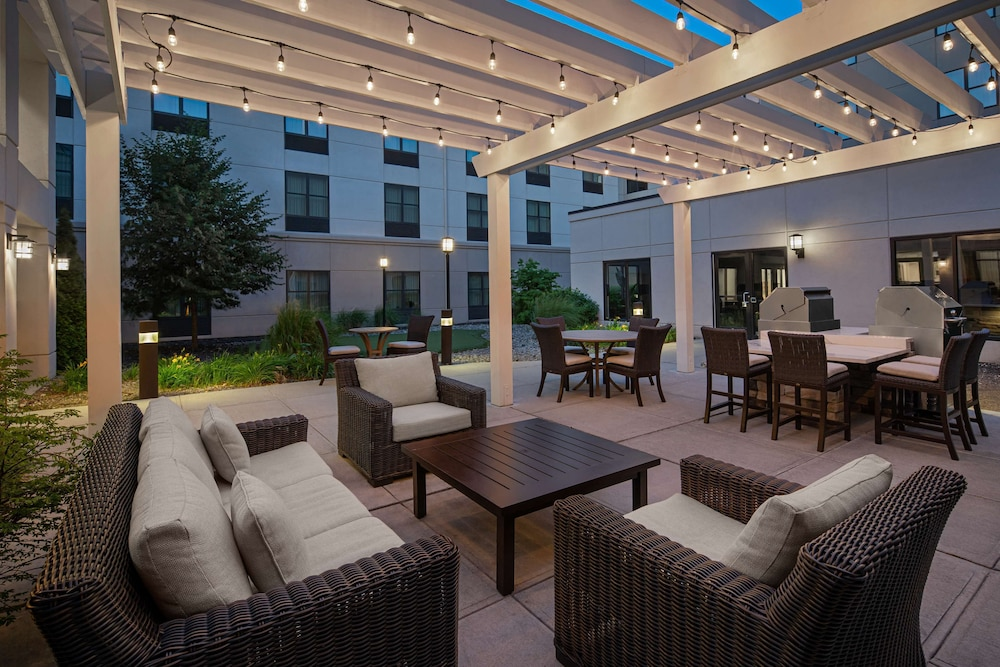 Courtyard, Homewood Suites by Hilton Carle Place - Garden City, NY