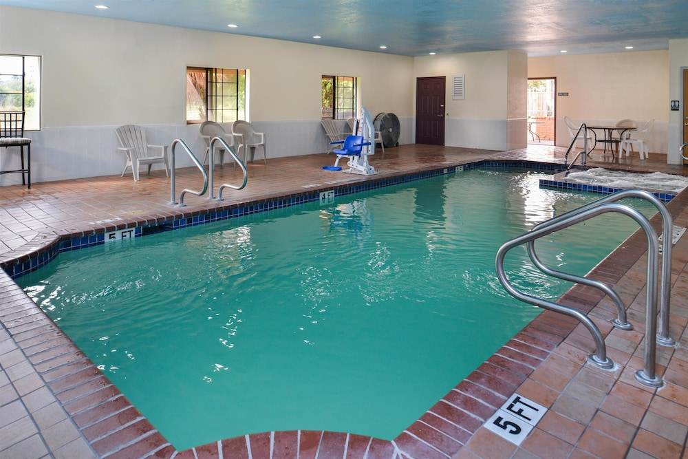 Americas best value inn houston fm 1960 i 45 2019 room prices 50 deals reviews expedia for Public indoor swimming pools houston