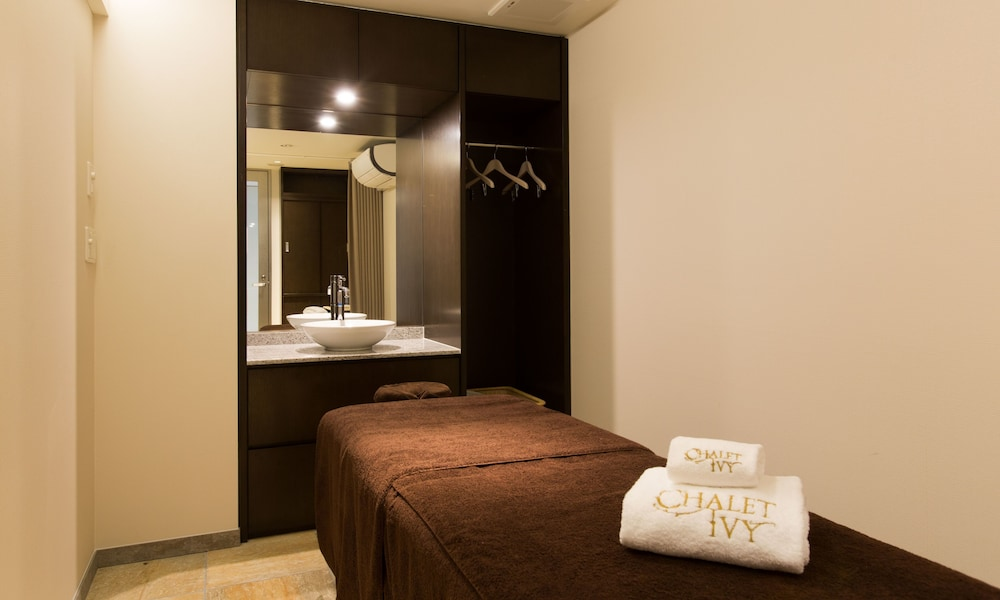 Treatment Room, Chalet Ivy