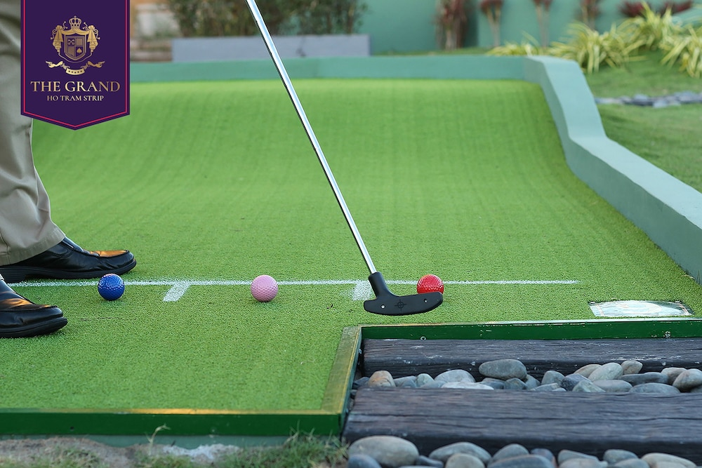 Mini-Golf, The Grand Ho Tram Resort & Casino